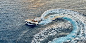 photo-of-speed-boat-on-sea-3274984